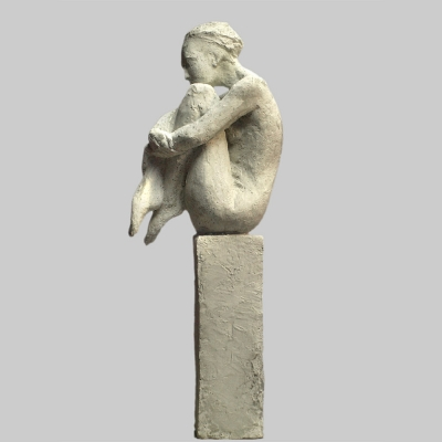 Angelika Kienberger, Im Gleichgewicht, 2008, Steinguss, 37x9 x14  cm